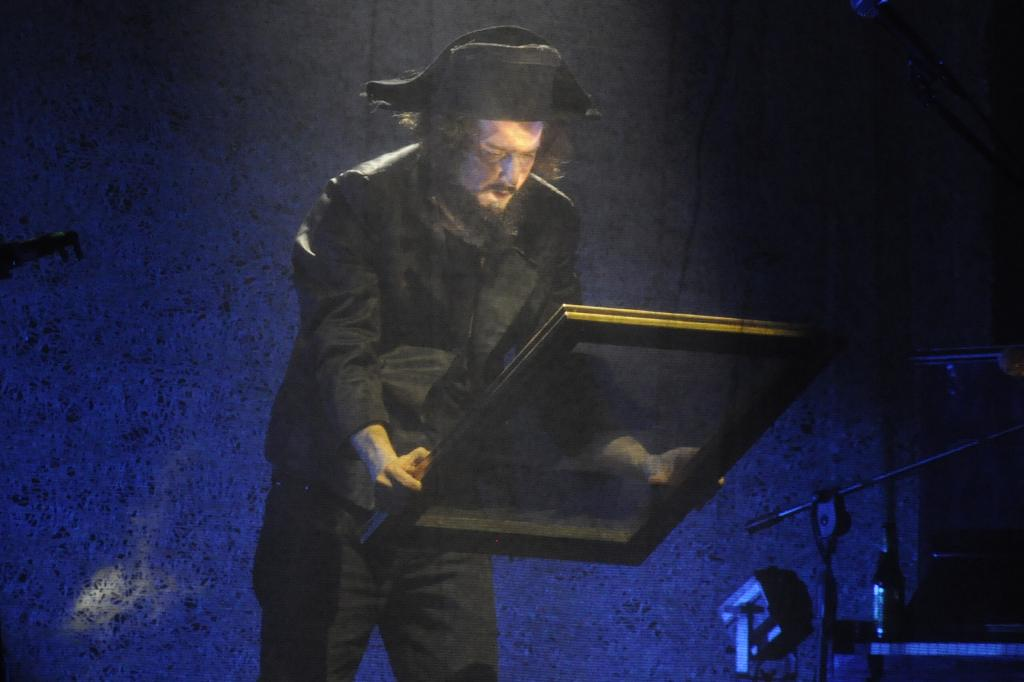 Vinicio Capoosela recensione concerto Torino 2017_CSC0419